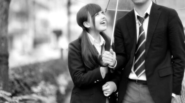 カップル 放課後 雨 相合い傘 高校生