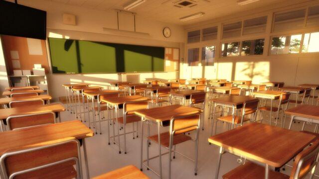 放課後の教室 夕方 夕日
