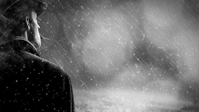 雨の日 男 憂鬱 タバコ