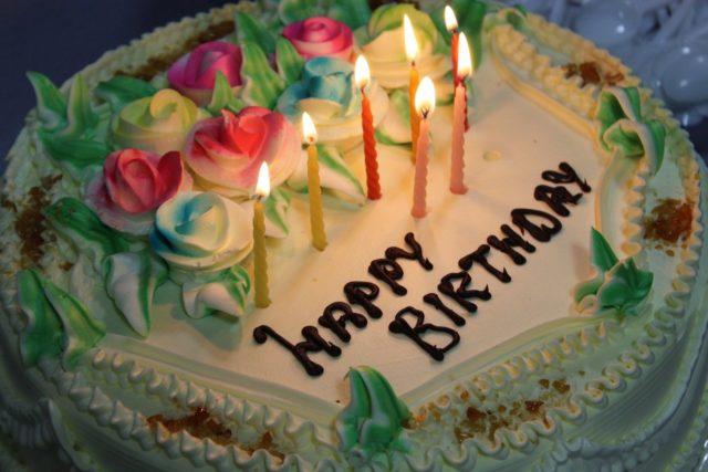 誕生日ケーキ バースデイ 記念日