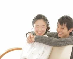 束縛する彼氏の心理を理解して対処する10の方法