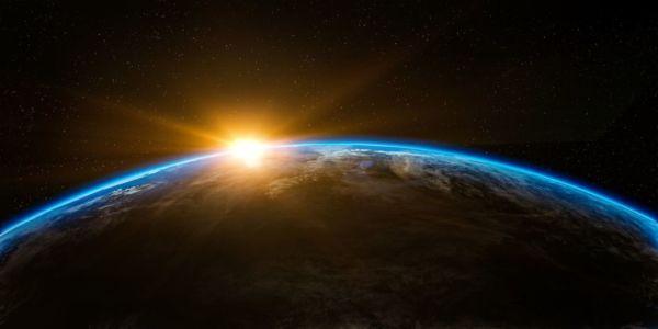 宇宙 地球 太陽