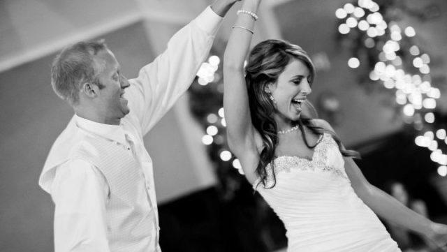 結婚式 カップル 夫婦 幸福 パーティ