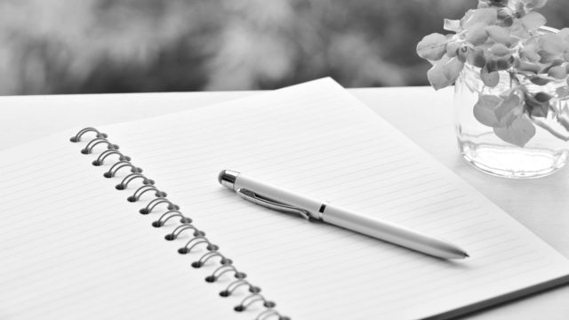 ノートとペン メモ 筆記用具