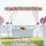 平日結婚式のメリットとデメリットを解説します