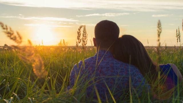 恋愛では「自己開示」が大切な8の理由