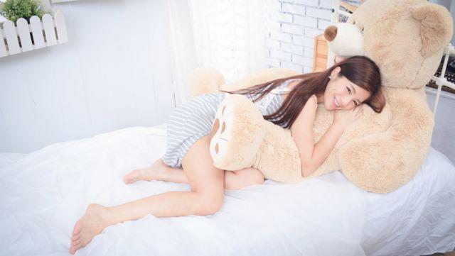 ベッドでイチャイチャして彼氏の気分をMAX盛り上げる8の方法
