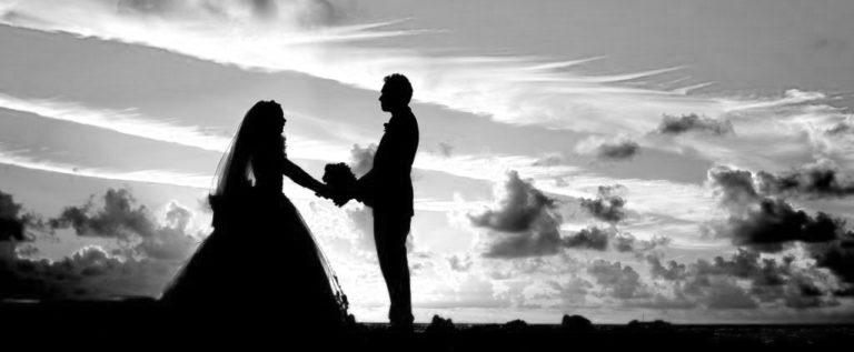夕暮れの結婚式 夕日