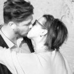 パートナーとのキスを大切にすべきスピリチュアルな理由