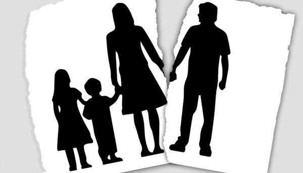 家族 離婚 別居 家庭崩壊